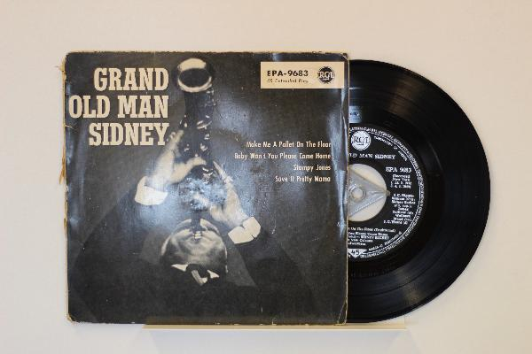 SIDNEY BECHET - Grand Old Man Sidney - 45T (SP 2 titres)